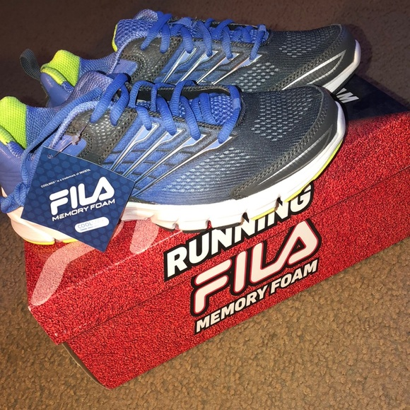 NWT!! FILA running shoes, perfect condition NWT